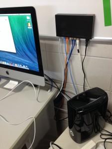 iMacにOS X Serverをインストールした。取り急ぎ,Thunderbolt接続したRAID1ハードディスクをTime Machineに設定してクライアントのバックアップとする。